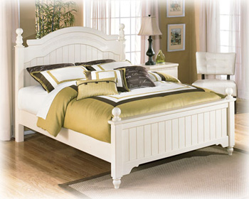 Cottage Retreat Collection Queen Poster Bed Ashley Furniture Expo Outlet